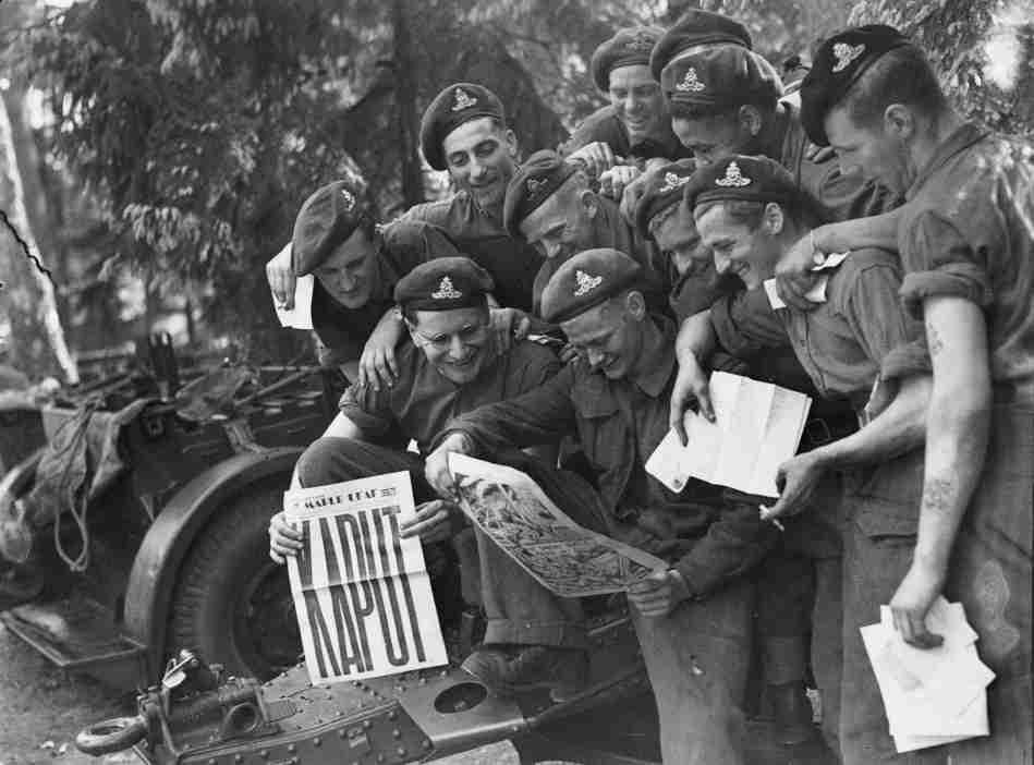 Regimiento canadiense . Berlin, Mayo 8, 1945.