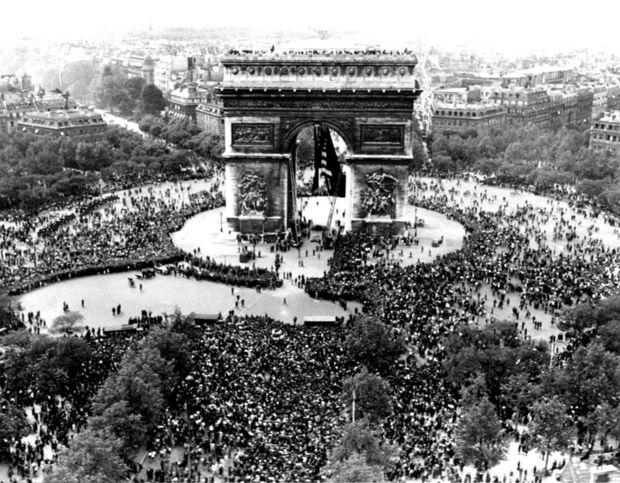 París, Francia - Mayo 8, 1945