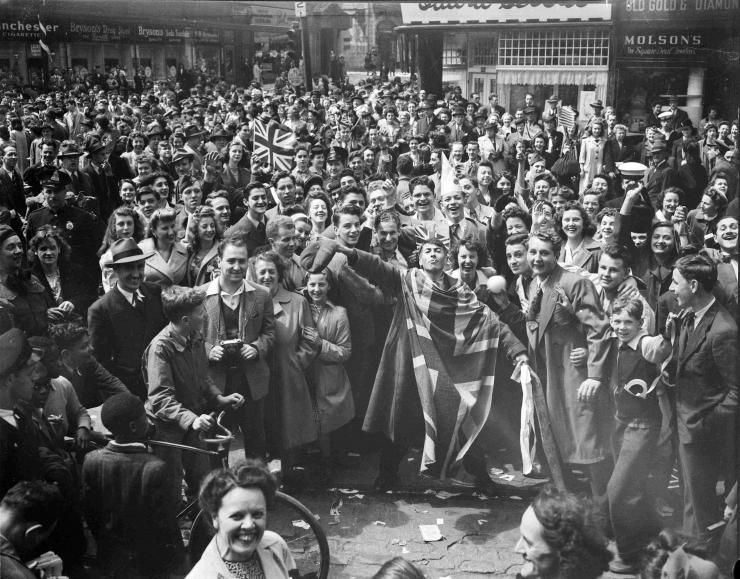 Canadienses celebrando en Montreal.