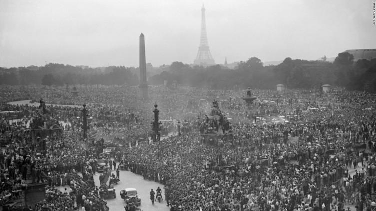 París, Mayo 8, 1945.