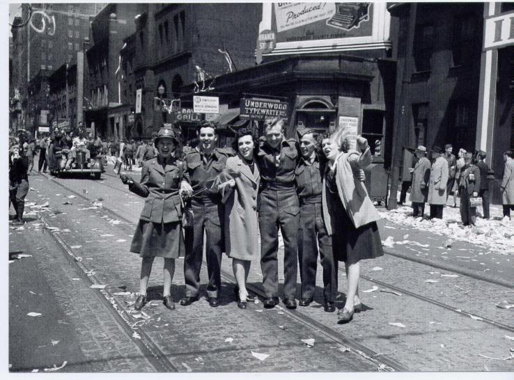 Toronto, Canadá. Mayo 8, 1945.