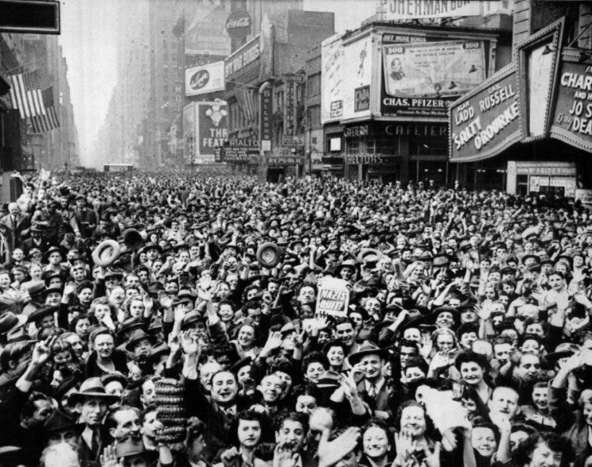 New York. Mayo 8, 1945.